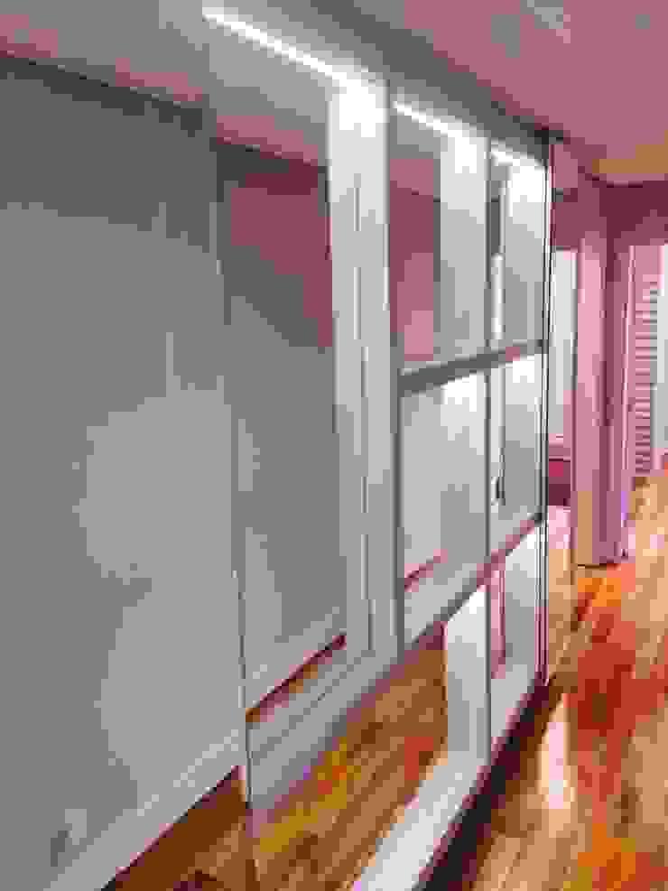 ADL Projetos Sob Medida DormitoriosClósets y cómodas Tablero DM Acabado en madera