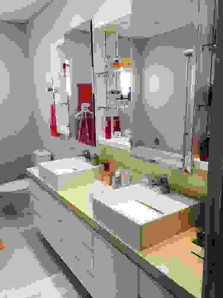 ADL Projetos Sob Medida BathroomSinks MDF Wood effect