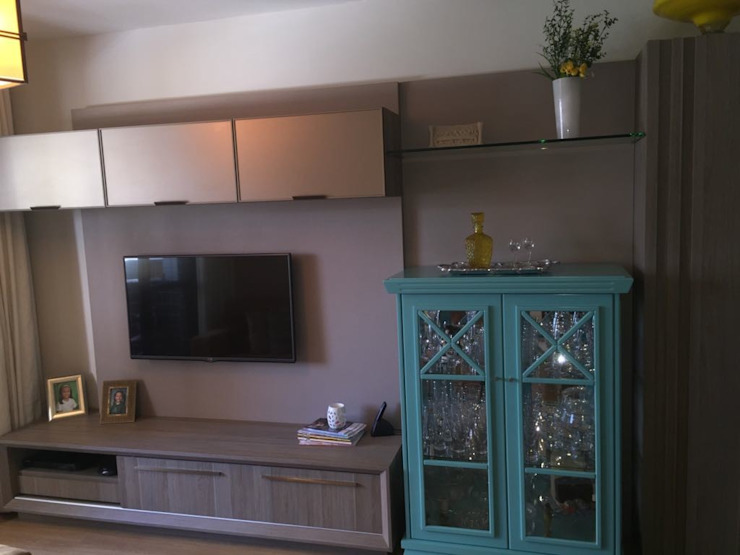 ADL Projetos Sob Medida Living roomTV stands & cabinets MDF Wood effect