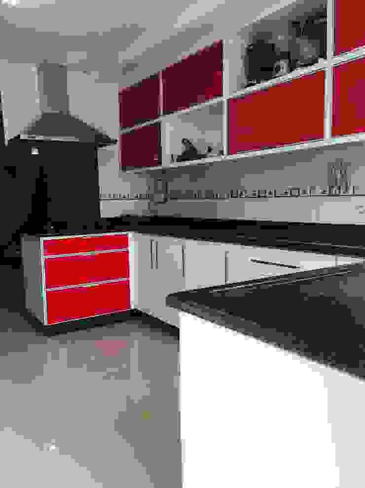 ADL Projetos Sob Medida CocinaAlmacenamiento Tablero DM Acabado en madera