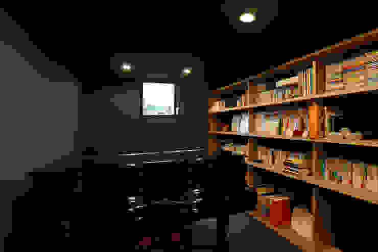 ステップハウス 寺下浩一級建築士事務所 モダンデザインの 書斎