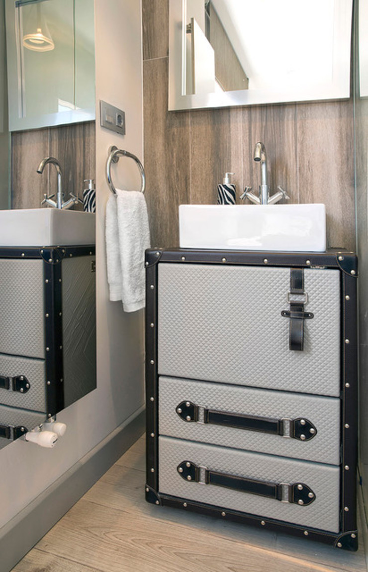 Contemporary bathroom: modern  by S. T. Unicom Pvt. Ltd. ,Modern