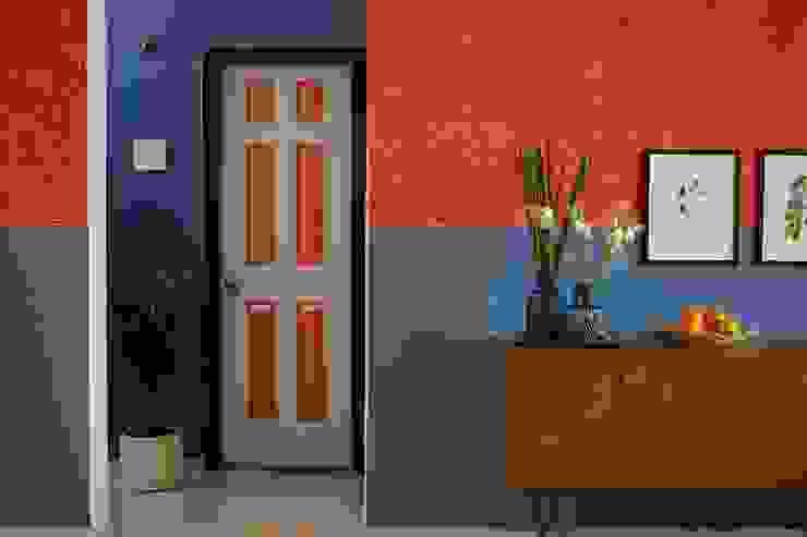 Rustic style corridor, hallway & stairs by Papersky Studio Rustic