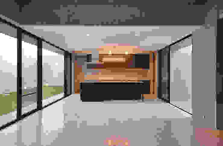 SNGK-HOUSE モダンデザインの リビング の 門一級建築士事務所 モダン