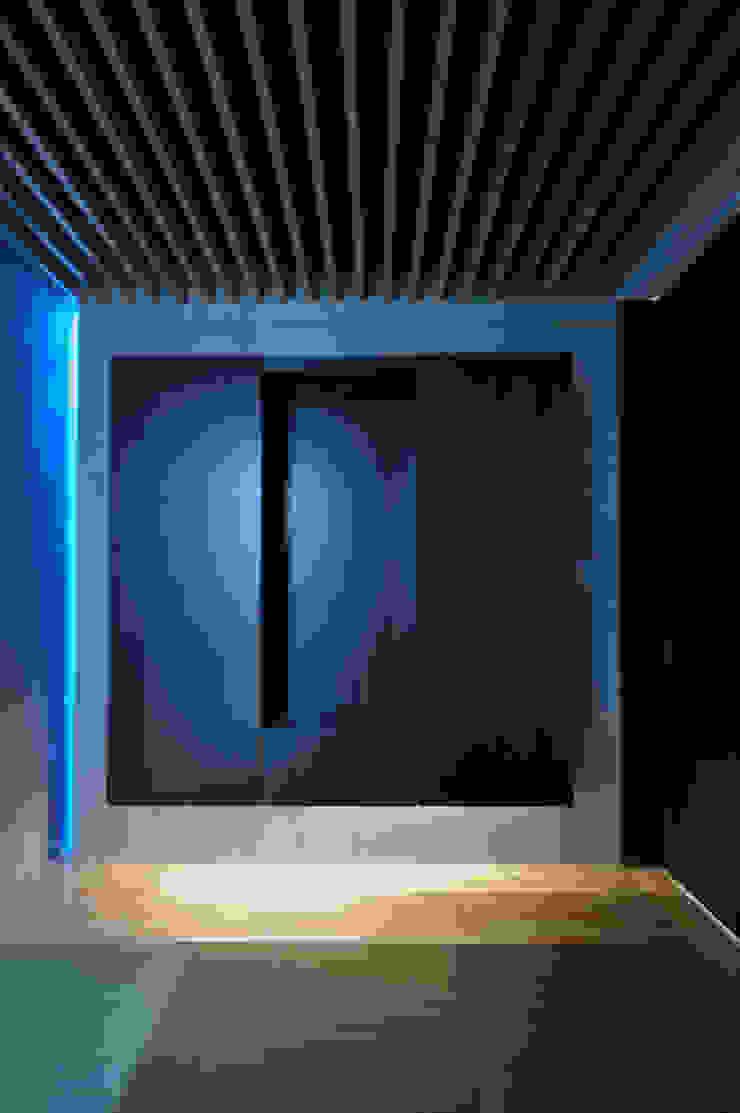 Modern media room by 門一級建築士事務所 Modern