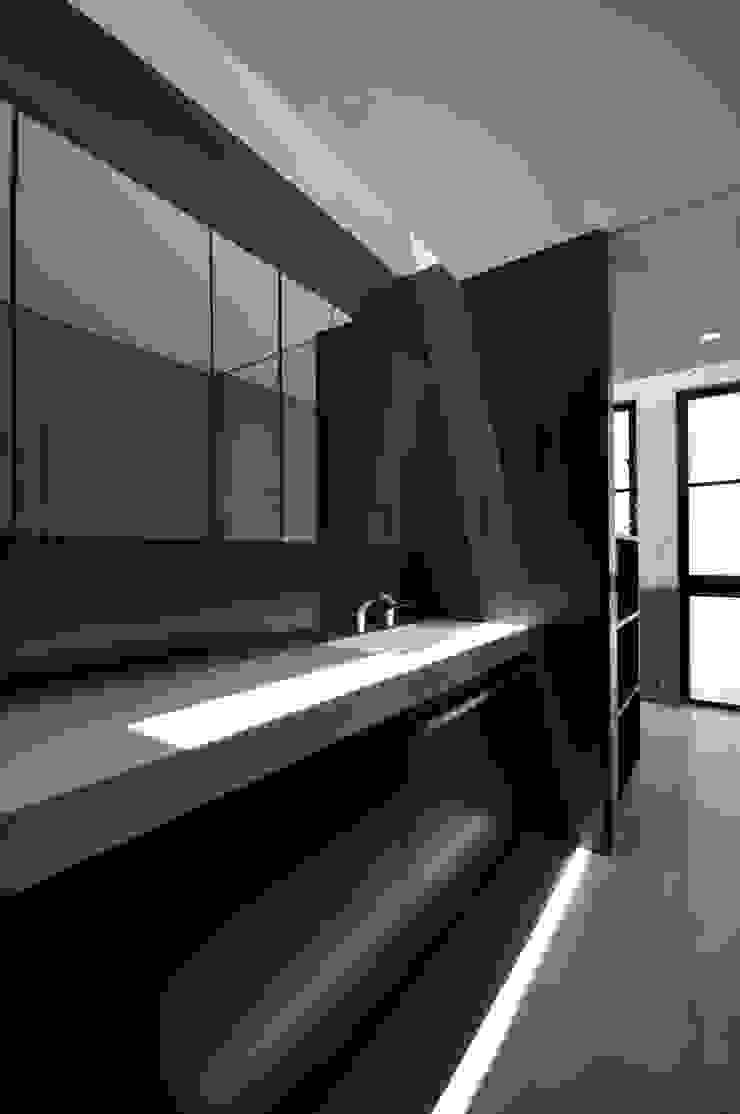 Modern spa by 門一級建築士事務所 Modern