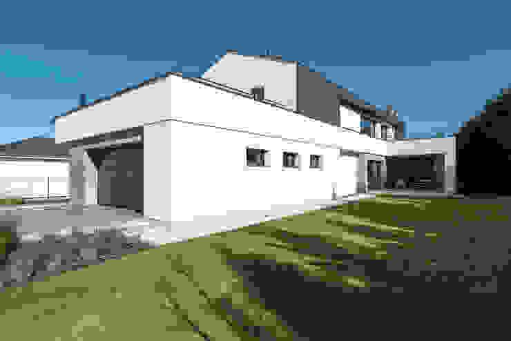 Dom jednorodzinny w Chybach koło Poznania Nowoczesne domy od Offa Studio Nowoczesny