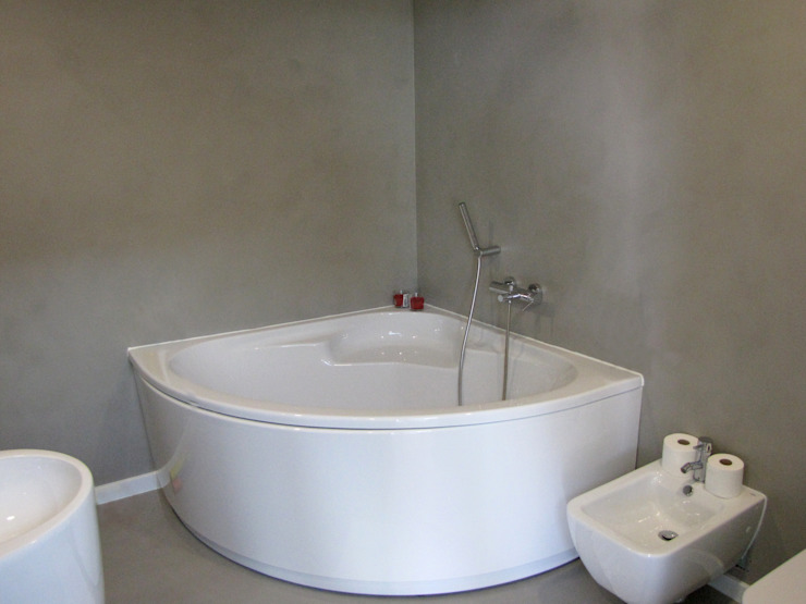 Richimi Factory Minimalist bathroom