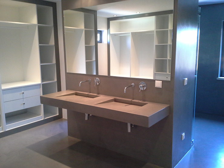 Richimi Factory Minimalist style bathroom