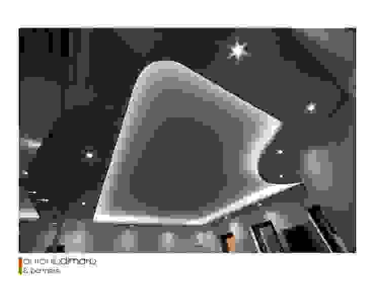 Controsoffitto antoniodimaro + Partners Soggiorno moderno Bianco