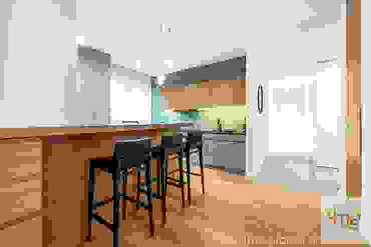 Projekt mieszkania o pow. 165 m2. Nowoczesna kuchnia od 4ma projekt Nowoczesny