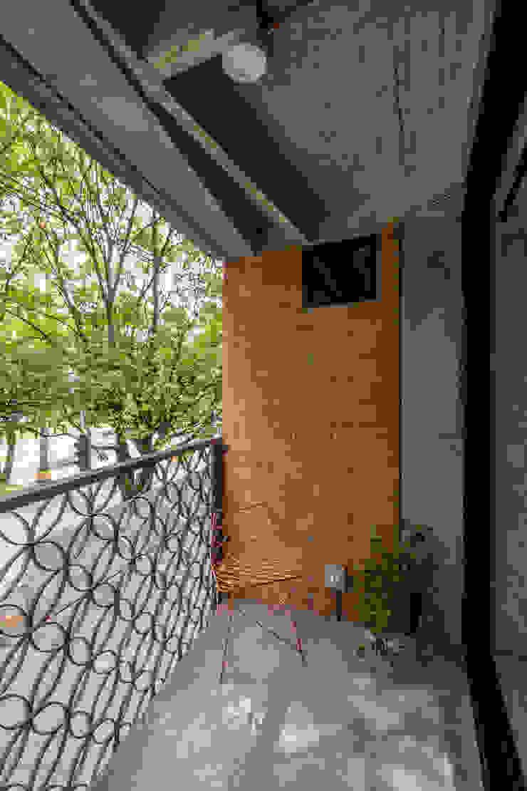 EDIFICIO 80 – 19 Casas modernas de PLANTA BAJA ESTUDIO DE ARQUITECTURA Moderno