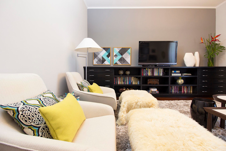 IZI HOME Interiores Living roomTV stands & cabinets Grey