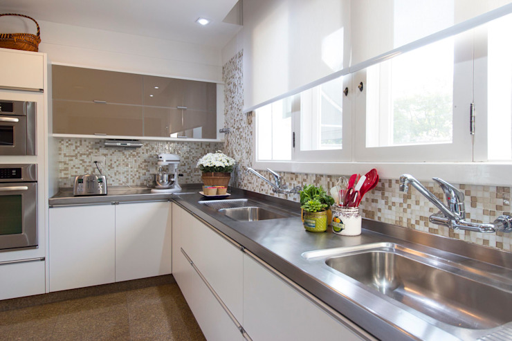 IZI HOME Interiores KitchenSinks & taps