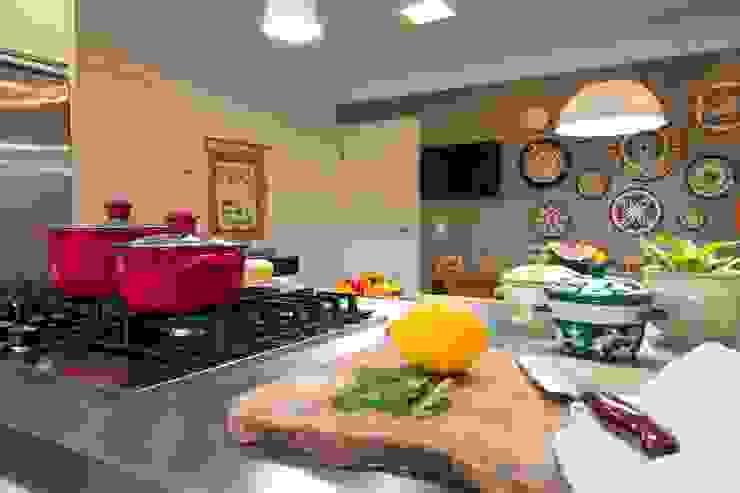 IZI HOME Interiores KitchenKitchen utensils