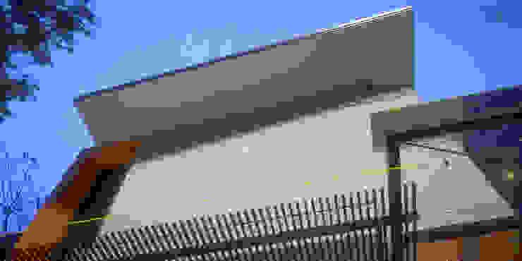 Eksterior Rumah Tinggal Industrial Style, Nonongan, Surakarta Oleh ARKAStudio Industrial Batu Bata