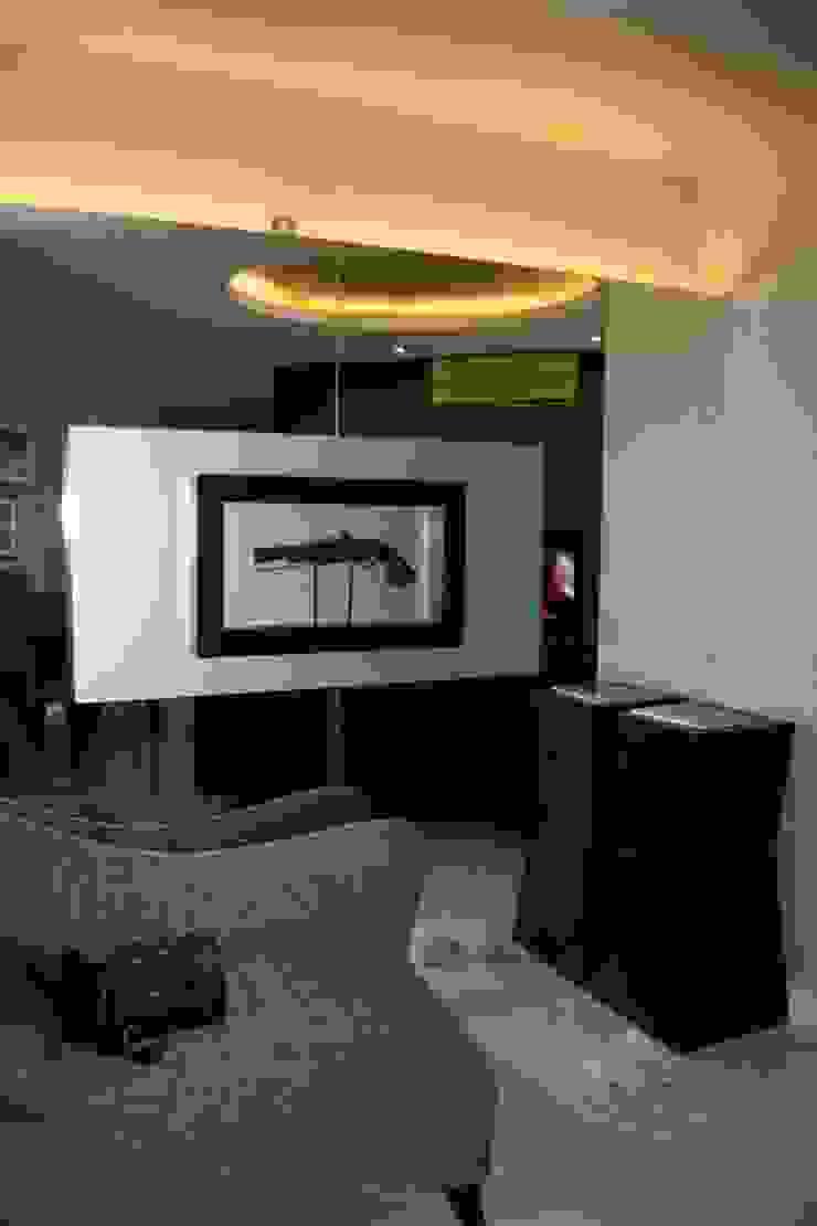 Kempinski 2008 Koridor & Tangga Modern Oleh Budi Setiawan Design Studio Modern