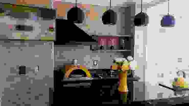 Forno de Pizza Varandas, alpendres e terraços industriais por STUDIO SPECIALE - ARQUITETURA & INTERIORES Industrial Granito