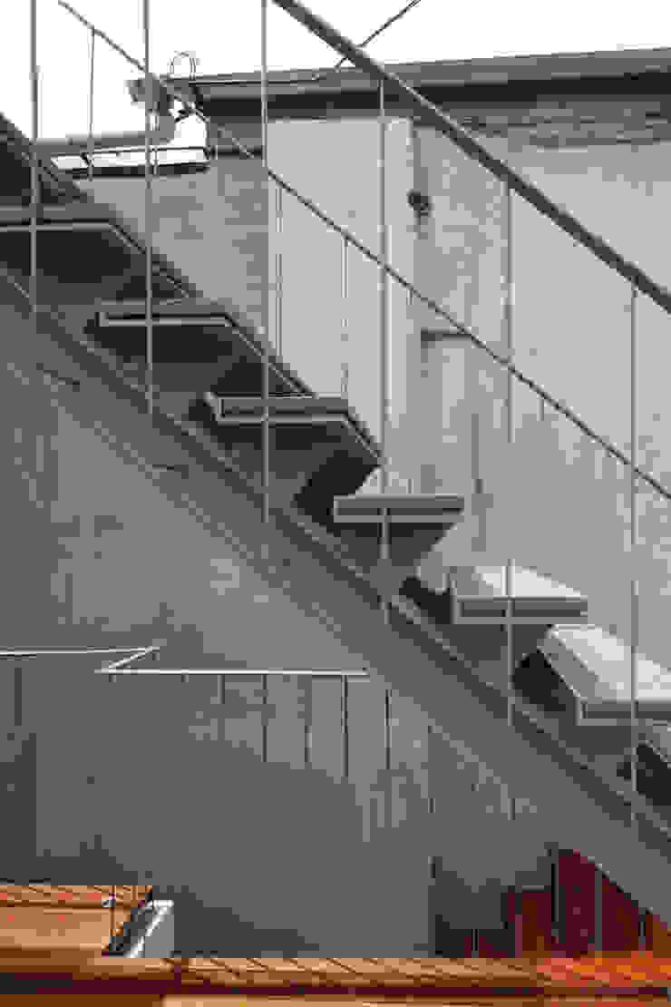 팔판동 단독주택 모던스타일 복도, 현관 & 계단 by 서가 건축사사무소 모던