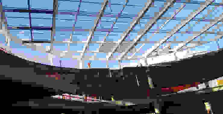 Suministro e Instalación de estructura de aluminio, muestra de Vidrio. Grupo Boru Hatti Centros comerciales de estilo moderno Vidrio Turquesa