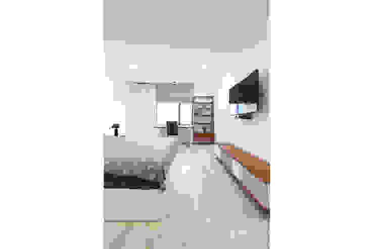 Cải tạo căn hộ tầng 7 Chung cư Ngọc Khánh Phòng ngủ phong cách Bắc Âu bởi AOTA atelier Bắc Âu