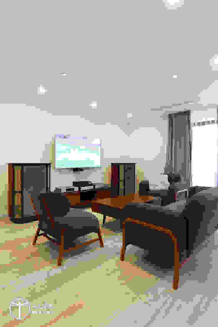 Cải tạo căn hộ tầng 7 Chung cư Ngọc Khánh Phòng khách phong cách Bắc Âu bởi AOTA atelier Bắc Âu