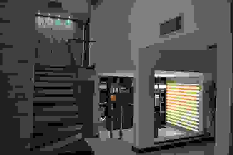 現代風玄關、走廊與階梯 根據 bouchez arquitectos 現代風
