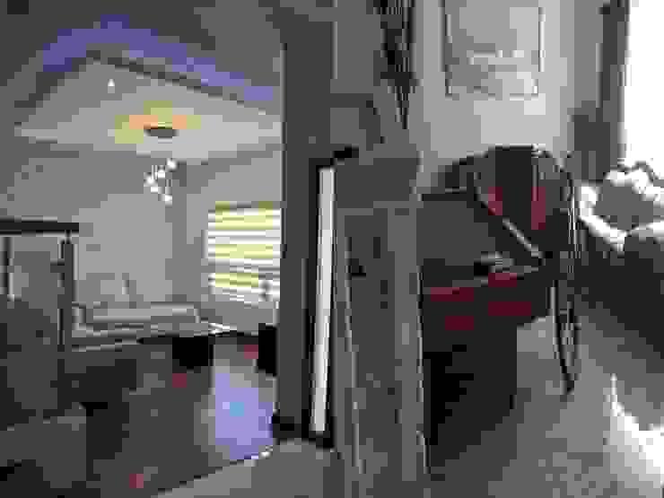 现代客厅設計點子、靈感 & 圖片 根據 bouchez arquitectos 現代風
