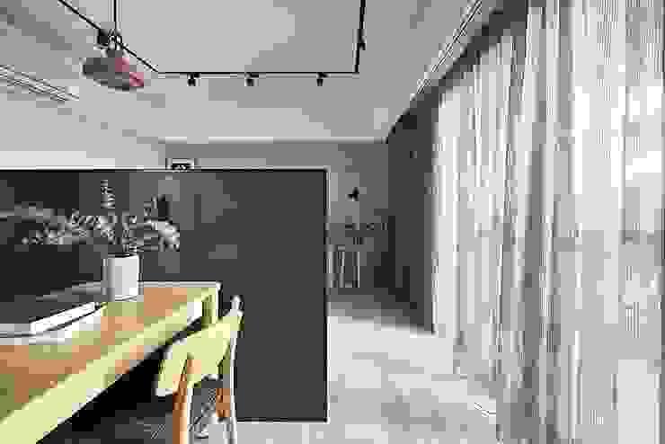 Koridor & Tangga Gaya Skandinavia Oleh 禾光室內裝修設計 ─ Her Guang Design Skandinavia