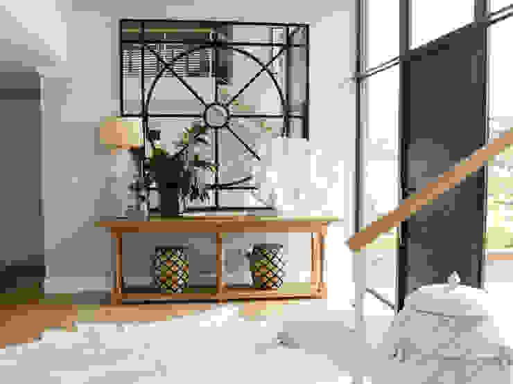 經典風格的走廊,走廊和樓梯 根據 Studio Mitchell 古典風