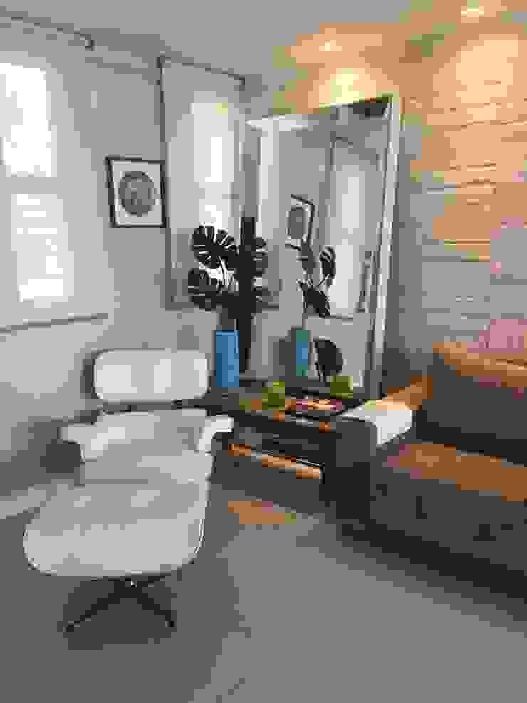 Casa de Praia Modern Living Room by brunadiogenes.liviafeitosa Modern