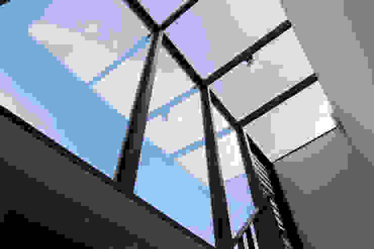 老屋翻新大改造 根據 夏禾創作有限公司 簡約風 鐵/鋼