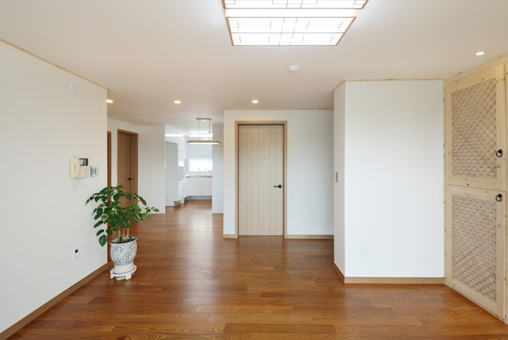 신목동 3단지 한옥스타일 아파트 인테리어 모던스타일 거실 by (주)더블유디자인 모던