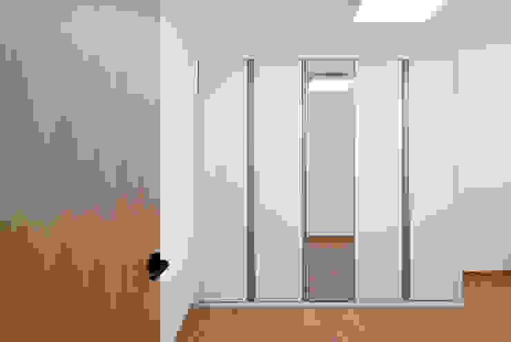 신목동 3단지 한옥스타일 아파트 인테리어 모던스타일 미디어 룸 by (주)더블유디자인 모던