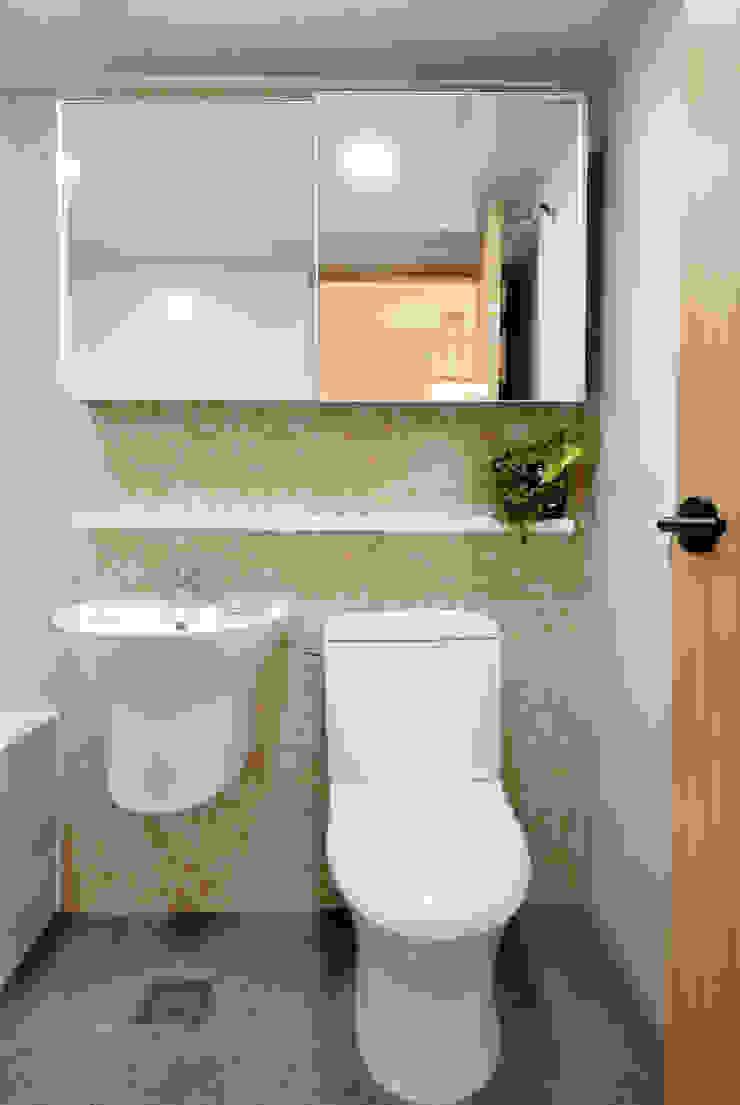 신목동 3단지 한옥스타일 아파트 인테리어 모던스타일 욕실 by (주)더블유디자인 모던