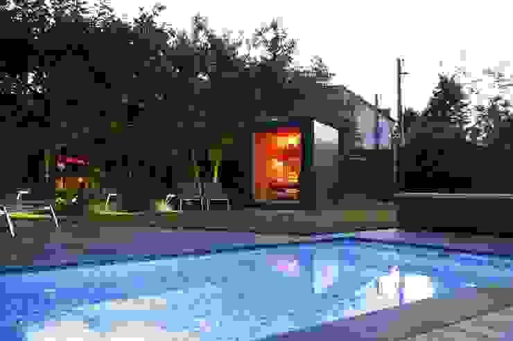 Gartenhauptdarsteller Garden Pool