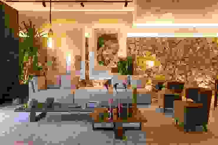 Salas de estar modernas por homify Moderno Pedra Calcária