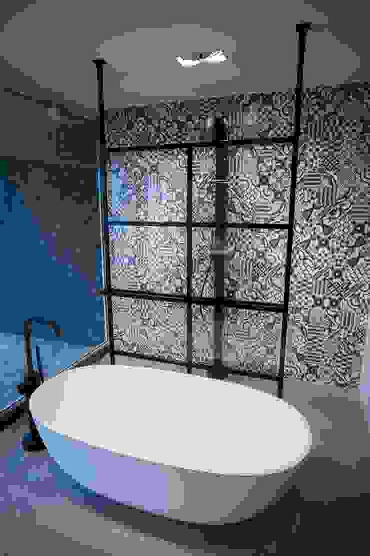 DEK-design Free Standing Moderne badkamers van De Eerste Kamer Modern