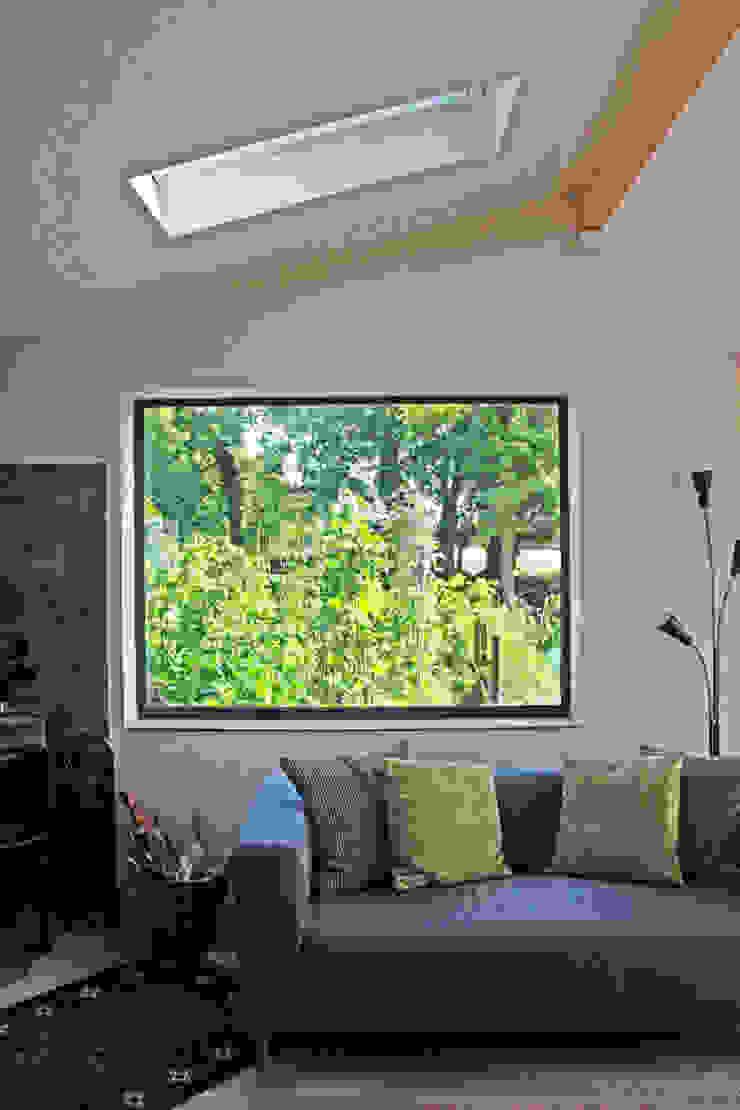 Extension with picture window Garten im Landhausstil von JMAD Architecture (previously known as Jenny McIntee Architectural Design) Landhaus