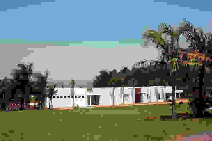 Casa JP R|7 Mila Ricetti Arquitetos Associados Casas modernas