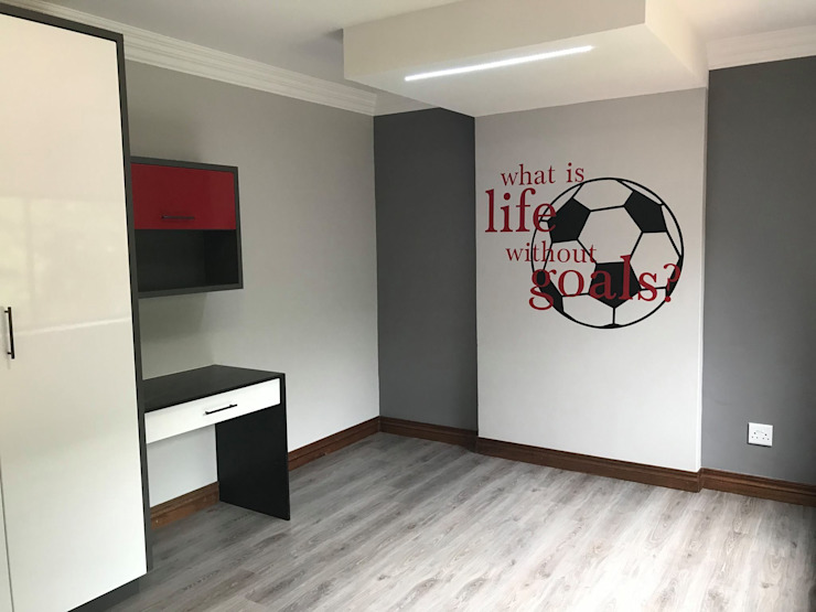 Teenage Boys Space Modern style bedroom by Timid Tyger Kitchen Designs Modern Chipboard