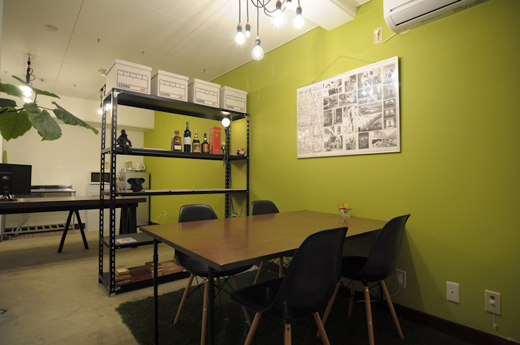 by hacototo design room Industrial Iron/Steel