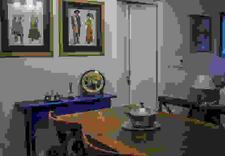 Apartamento Condado de Homelland – Gramado Salas de jantar campestres por Luiza Goulart Arquiteta Campestre Madeira Efeito de madeira