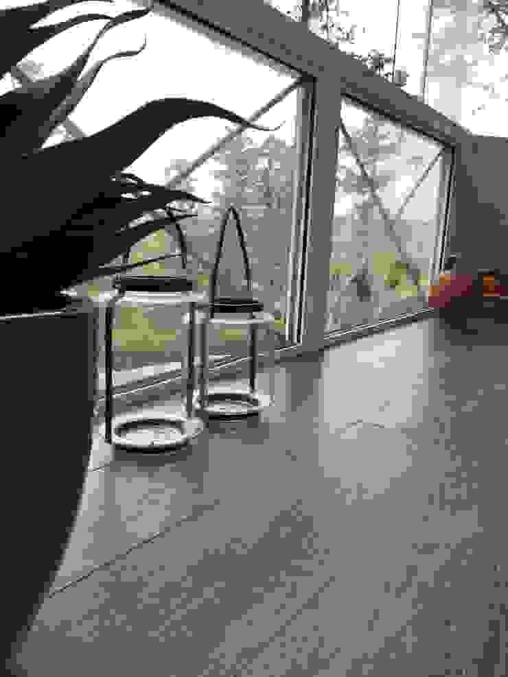 Apartamento Condado de Homelland – Gramado Varandas, alpendres e terraços campestres por Luiza Goulart Arquiteta Campestre Cerâmica