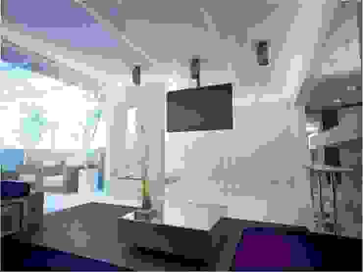 PLANYTEC CONSTRUÇÕES E PROJETOS Modern living room