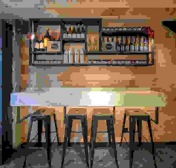 DISEÑO DE UNA CAFETERIA de P A Z A R T E Minimalista Madera Acabado en madera