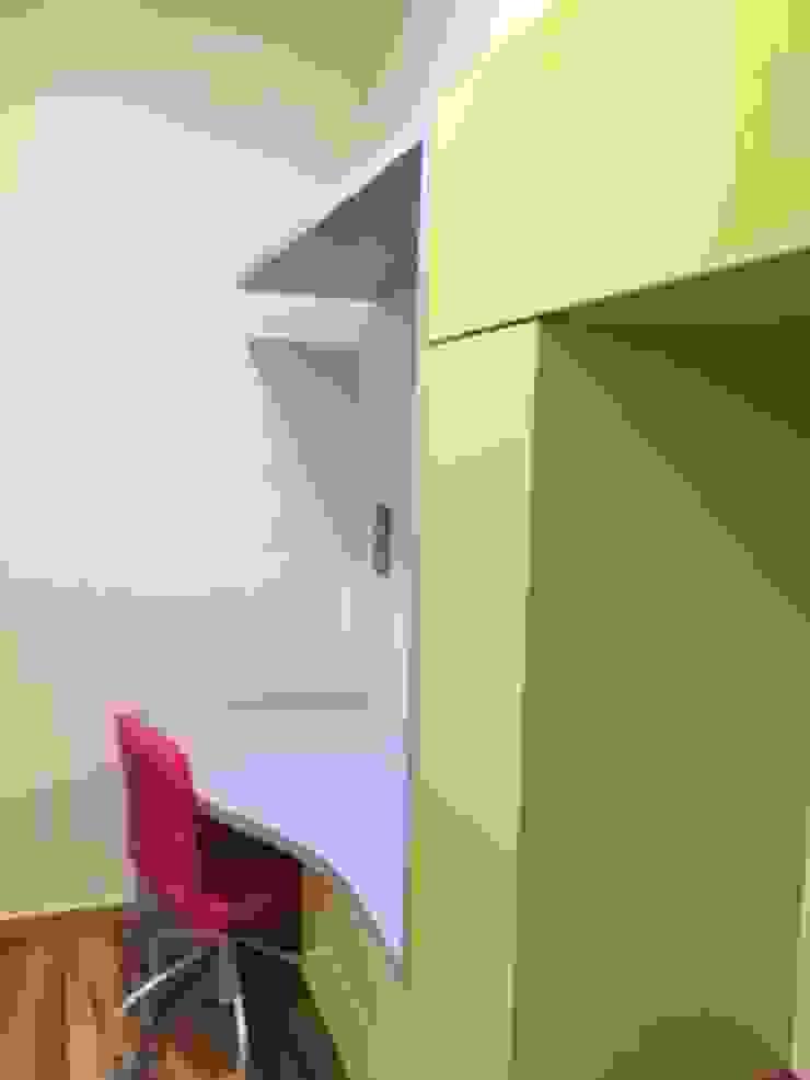 antonio giordano architetto BedroomWardrobes & closets