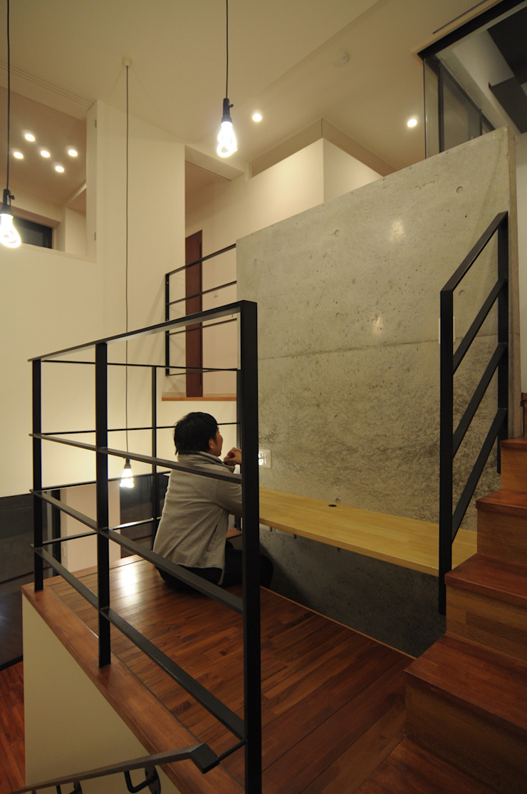 by hacototo design room Modern Iron/Steel