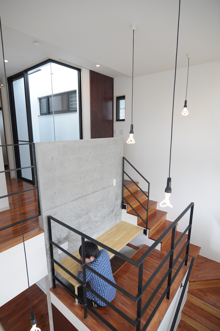 hacototo design room Stairs Concrete Grey