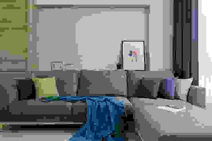 Ruang Keluarga Gaya Skandinavia Oleh homify Skandinavia